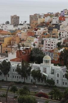 色彩缤纷的城市小楼