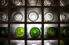酒柜啤酒瓶图片