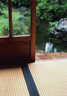 榻榻米与木滑门