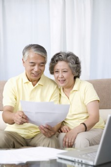 老年人幸福家庭生活图片